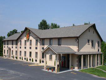 Super 8 Motel 439 E Rus Avenue Warrensburg Mo 64093